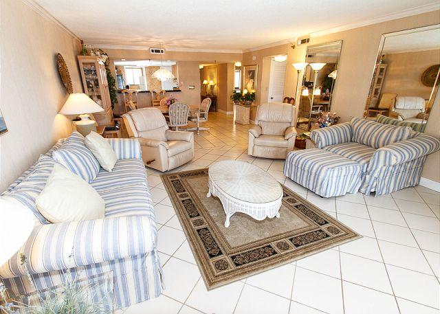 Spacious Living Room - SD 402: BEACHFRONT- balcony,full kitchen,WIFI,Nintendo,HDTVs,free beach SVC - Fort Walton Beach - rentals