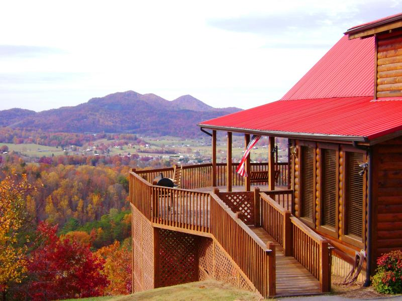 Fall Colors - Angels Rest 2013 Award Winner, Panoramic Views - Pigeon Forge - rentals