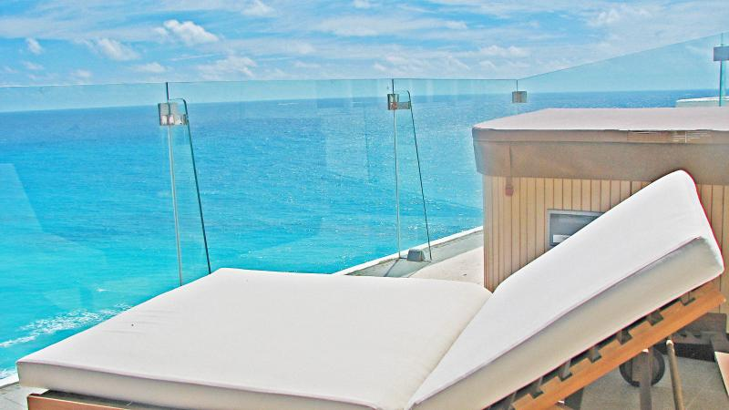 Beach Paradise Penthouse #3730- Please visit my site for many more details.  Thanks for viewing. Tim - Penthouse #3730 - Cancun - rentals