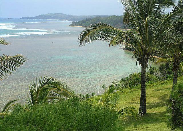 Sealodge E7: Oceanfront views all the way to the lighthouse. - Image 1 - Princeville - rentals