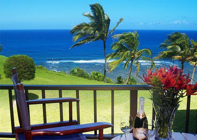 Sealodge J9: Oceanfront and updated beautiful upstairs condo. - Image 1 - Princeville - rentals