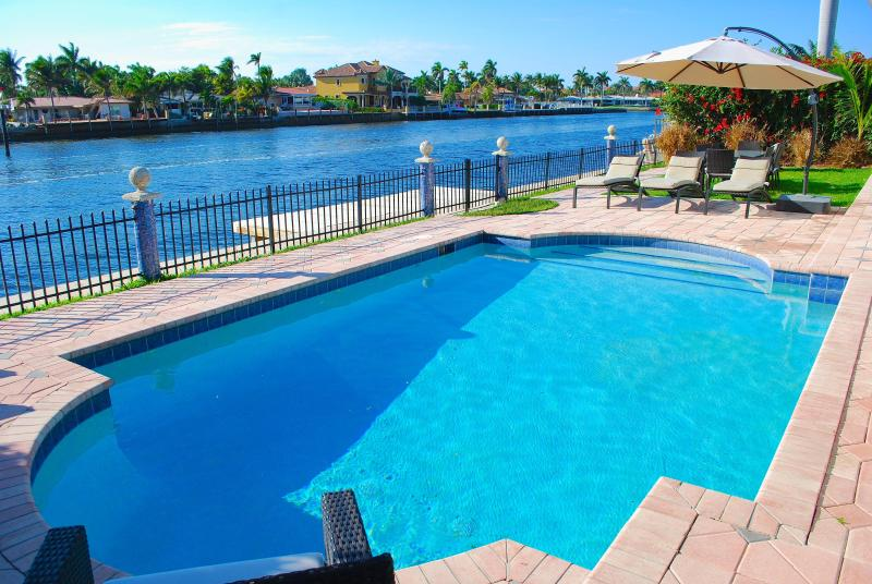Spectacular Intracoastal Water Views w/Custom Heated Pool & Outdoor Dining! - Casa Mar SPECTACULAR 4BR WATERFRONT HTD POOL BEACH HOME! - Lauderdale by the Sea - rentals