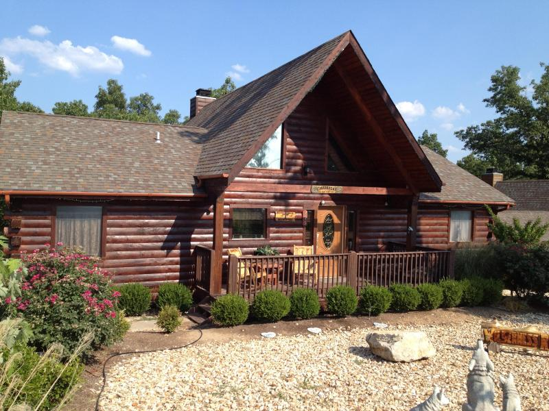 Magnificent Log Home - Magnificent 4 Br Log Home w/Game Room, Hot Tub - Branson - rentals