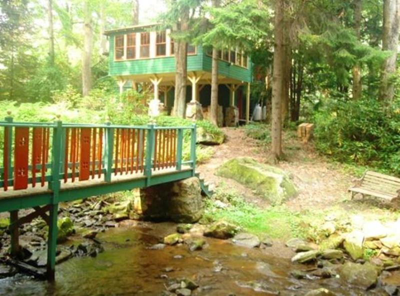 Bridge leading to cottage - Waterfront Cottage,  Seven Springs/Hidden Valley - Somerset - rentals