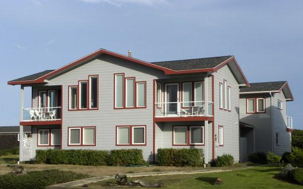 North and south units in this oceanfront duplex - All About The View - Oceanfront 3 bedroom home - Bandon - rentals