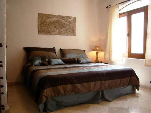 lovely bright and comfortable bedroom with king bed - CASA DEL SOL ACACIA affordable and great location! - Playa del Carmen - rentals