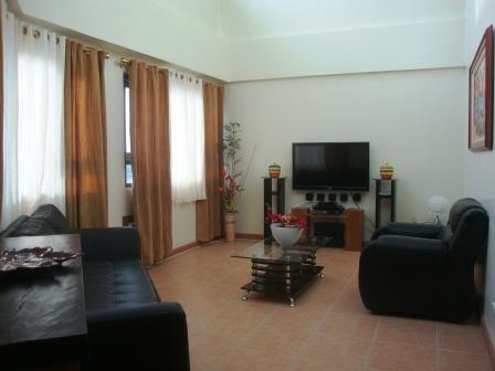 Lounge - Global City 3B 3B Loft Apartment - Sleeps 9 Guests - Taguig City - rentals