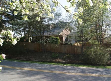 Springtime in Western North Carolina - Asheville Serenity Farmhouse - Asheville - rentals