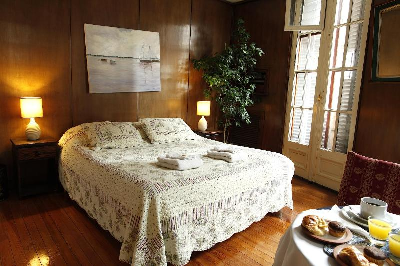 Superior Queen with Bathroom - B&B in Historical Buenos Aires Center w/Balcony - Buenos Aires - rentals
