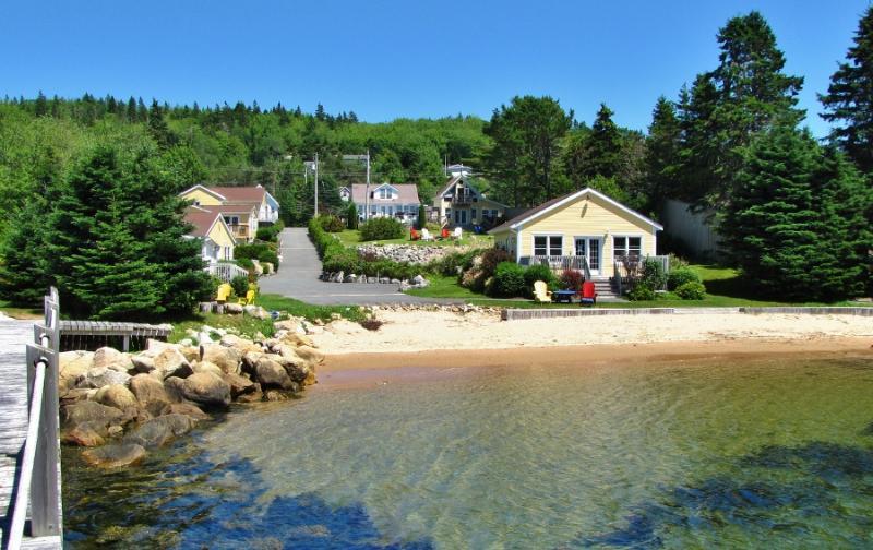 Larinda's landing Oceanfront Cottages beachfront location! - Larinda's Landing Oceanfront Cottages - Hubbards - rentals