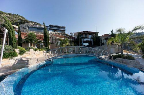 Villa 57217 - Image 1 - Peyia - rentals