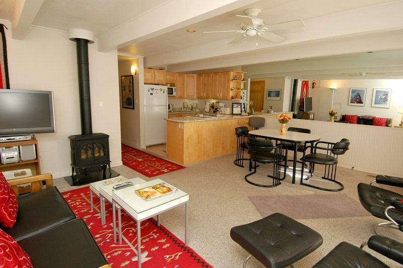 living_area_1.jpg - Le Clairvaux Unit 3 - Aspen - rentals