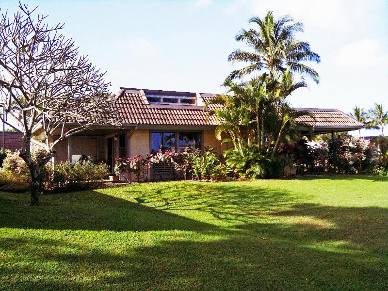 Our one story end unit home - Polynesian Beauty! Free WiFi and reserved parking - Princeville - rentals