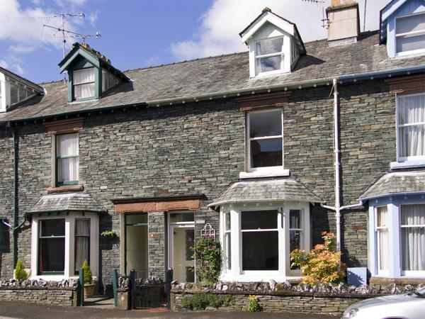 WESTIES, pet friendly, character holiday cottage, with a garden in Keswick, Ref 3879 - Image 1 - Keswick - rentals