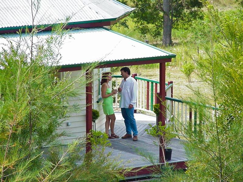 Honeymoon Cottage - Noosa Avalon Farm cottages Eco award winning . - Noosa - rentals