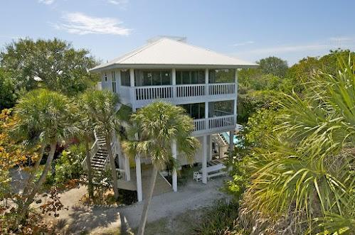 Rum Point - 5 BR/3.5 BA Pool-2 Golf Carts/slips - Image 1 - Captiva Island - rentals
