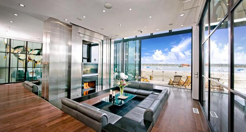 Sleek Retreat sunken living room, high def LCD TV, fire on ice fireplace, glass window panels opened - Sleek Retreat - Mission Beach Bay - Pacific Beach - rentals