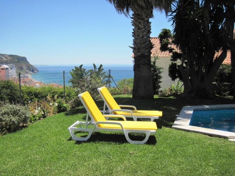 Wonderful 4 Bedroom Villa With Pool and Ocean View - Image 1 - Sesimbra - rentals