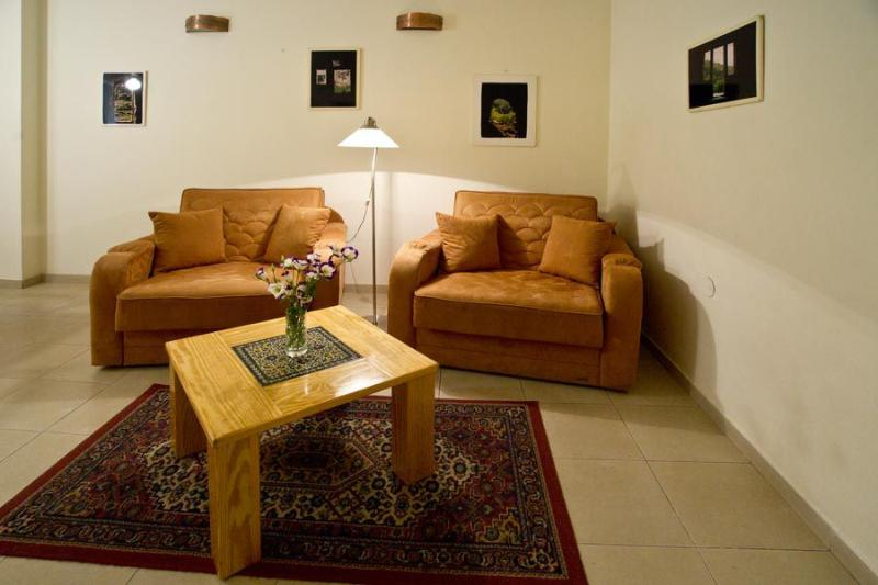 The Living room - The Olive - Peaceful and Central - Jerusalem - rentals