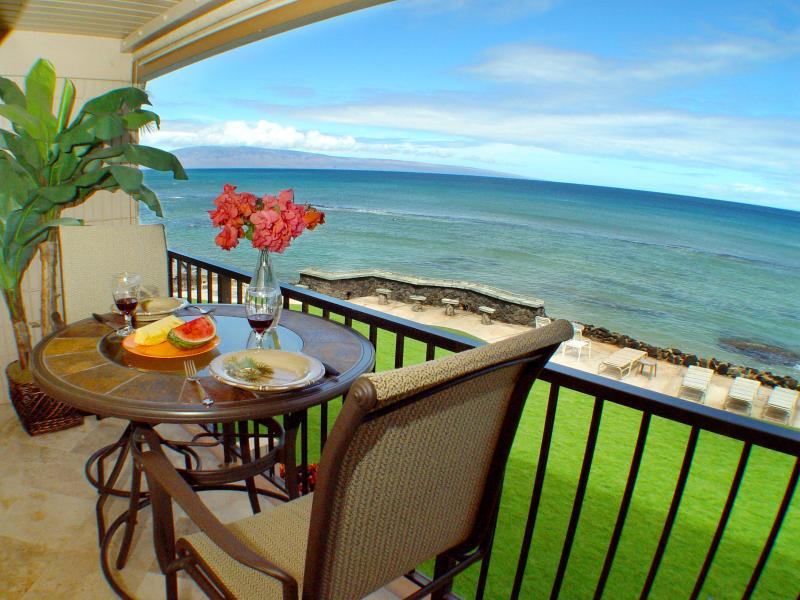 Dining on the Lanai with an ocean view! - Direct Oceanfront! Free Sunsets! June Spec $149! - Lahaina - rentals