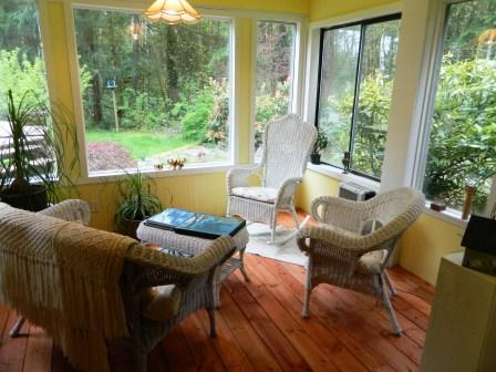 Sunroom off of bedroom with view of back garden and ponds - The Vines private suite on South Vancouver Island - Cobble Hill - rentals