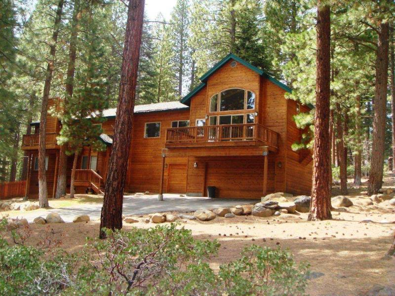 Exquisite Vacation Home with Hot Tub (636WC) - Image 1 - Incline Village - rentals