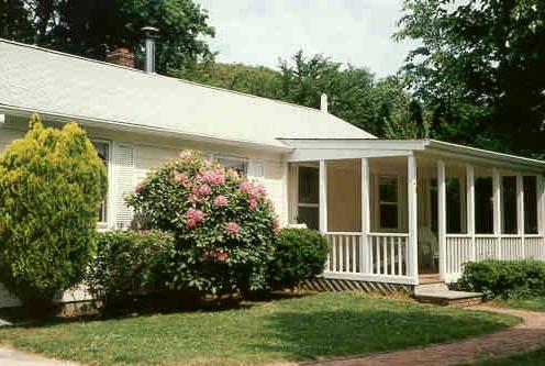 Charming three bedroom with heated swimming pool. Walk to village shops. - Quiet and Private in Heart of East Hampton Village - East Hampton - rentals