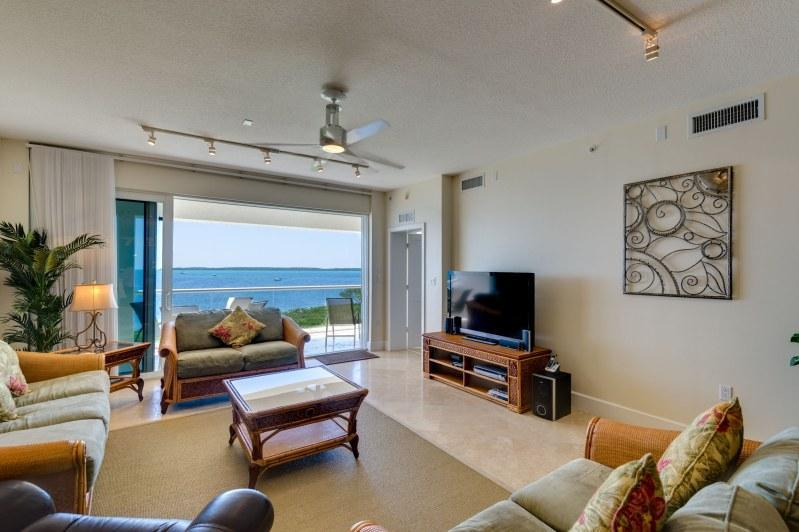 Living room - Infinite horizons...322 Mariners Club Key Largo - Key Largo - rentals