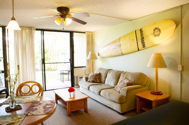 Our signature surfboard wall and sofa bed - Maui Vista: ONLY $95/night thru November 9th! - Kihei - rentals