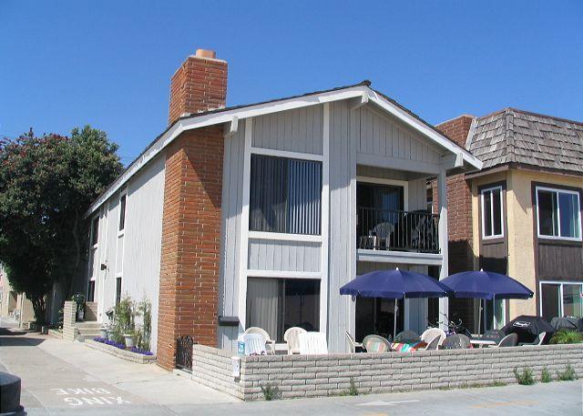 Great Oceanfront Upper Back 2 Bedroom Condo! Excellent Location! (68327) - Image 1 - Balboa - rentals