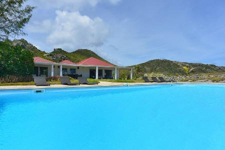 Caribbean Breeze has marvelous sea views, large private garden and housekeeping - Image 1 - Anse Des Cayes - rentals