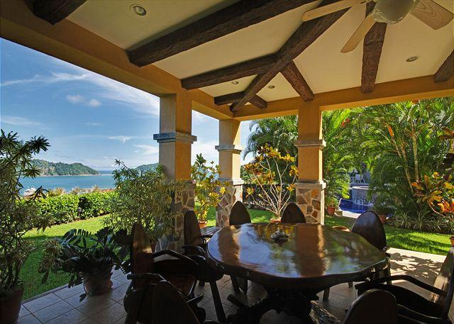Enjoy having breakfast on the patio with amazing view over the marina. - Tropical beauty penthouse - Marbella 3E - Herradura - rentals