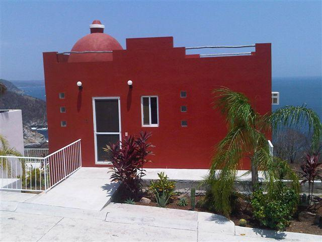 Front of the house street front parking - Casa Del Graff . - Puerto Angel - rentals