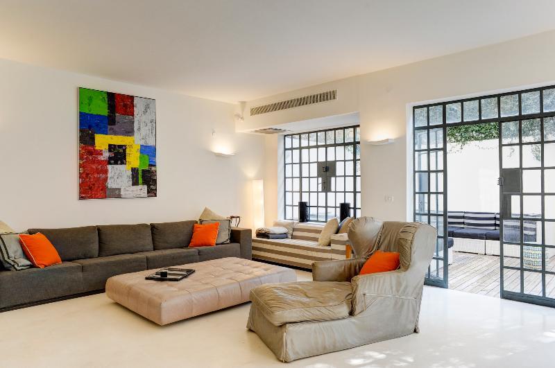 Lounge - Beautifully Designed 3 Bedroom House in Neve Zedek - Tel Aviv - rentals