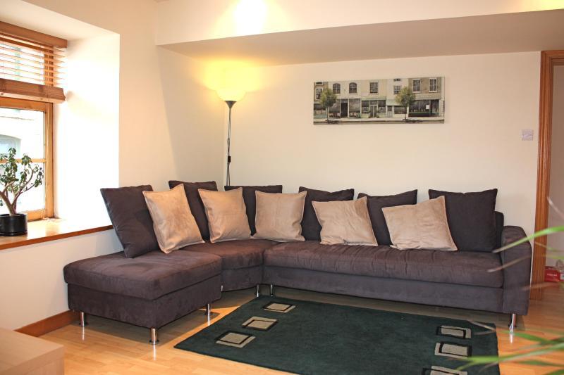 Interior living room - Shoreside Apartment  -  Superb Quality Flat - Edinburgh - rentals