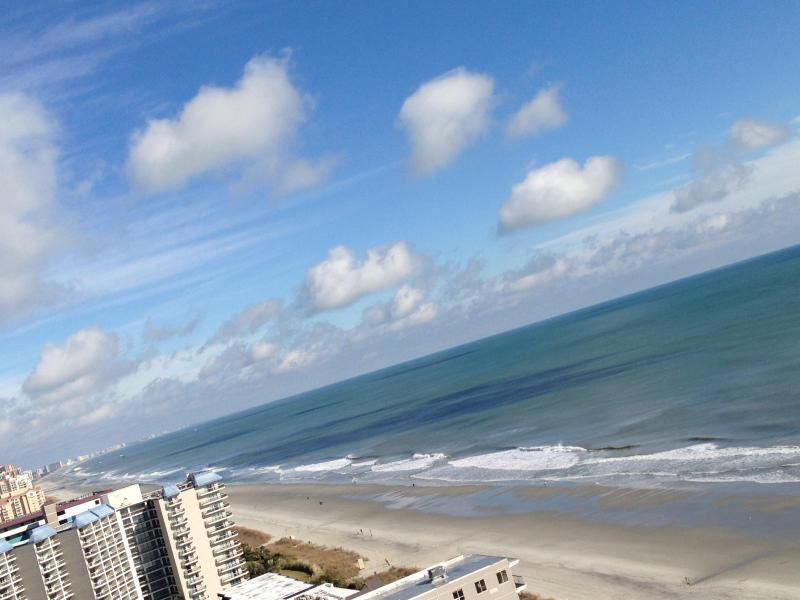 View from balcony looking north - Luxury 3 Bedroom Penthouse at Myrtle Beach with Gym and Jacuzzi - Myrtle Beach - rentals