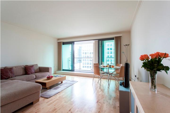 Dockland 2Bed Apartments with Gym & Pool - Image 1 - London - rentals