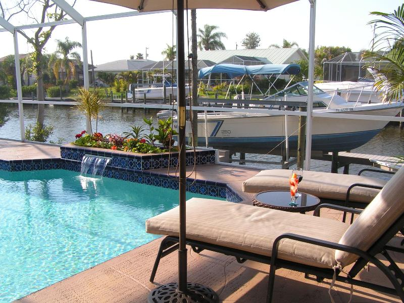 RELAX - AWARDED TOP RENTAL  2011-2012-2013 BY FLIPKEY.COM - Cape Coral - rentals