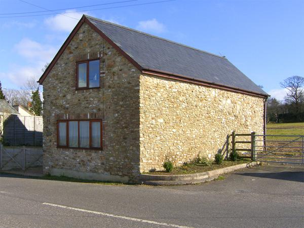 THE RETREAT, family friendly, character holiday cottage in Sampford Moor, Ref 3919 - Image 1 - Wellington - rentals