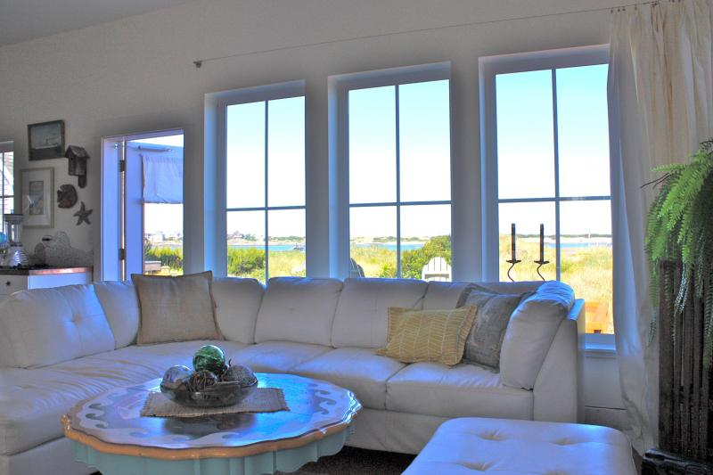 """casual luxury, cottage style! - Chic Beachfront """"Dream"""" Cottage! - Lincoln City - rentals"""