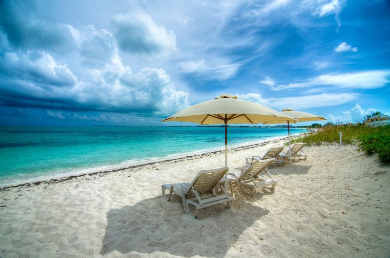 Beachfront with Loungers and Shade Umbrellas for all Guests - Trip Advisors # 1 Rated Accomodation In Provo!! - Turtle Cove - rentals