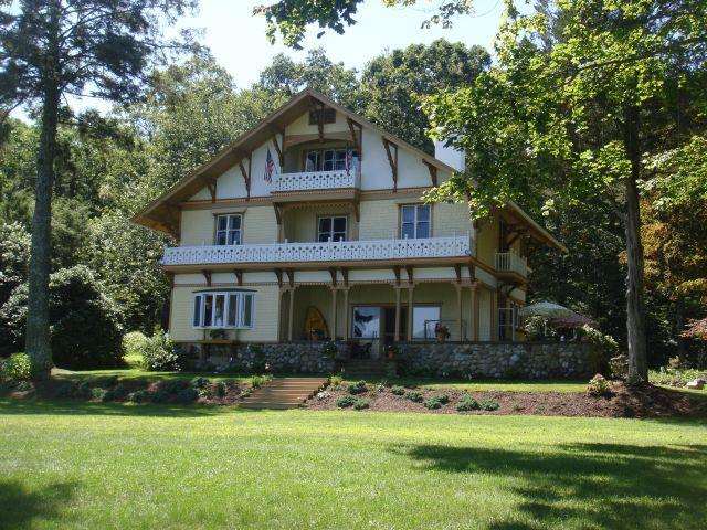 Gorgeous Lakefront Victorian Home for Memoriable Family Vacation! - CT Lake Front  Victorian Mansion Truly Memorable! - East Haddam - rentals