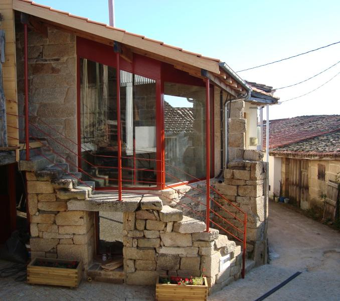 general view main façade - Holiday  cottage in the Ribeira Sacra. Sleeps 4. - Nogueira de Ramuin - rentals
