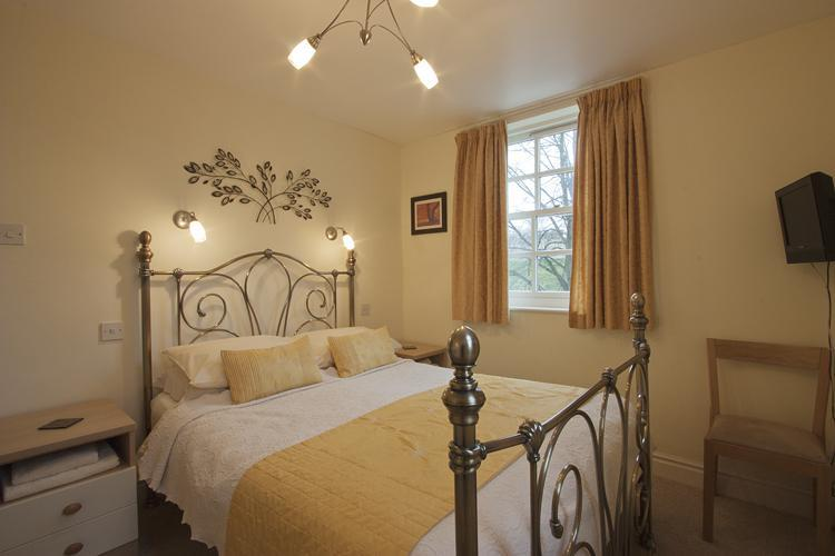 Double Bedroom - Baille Hill House - Townhouse in York Sleeps 10 - York - rentals