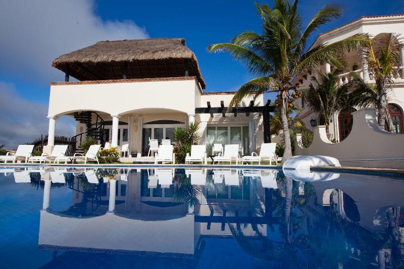 SPECIAL!!!! Luxury Beachfront 5 Bedroom Villa - Image 1 - Playa Paraiso - rentals