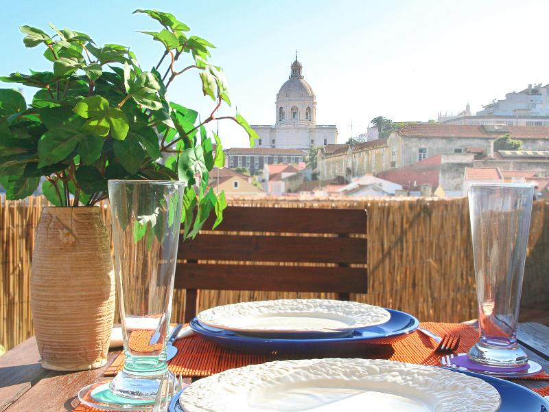 Terrace with view of National Pantheon, perfect for enjoying meals outdoors - Amazing River View Terrace. City Centre. Free WiFi - Lisbon - rentals
