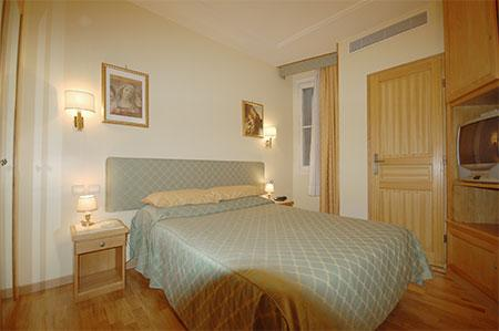 2nd Arrondisement 2 bedroom 2 bathroom with A/C (2594) - Image 1 - Paris - rentals