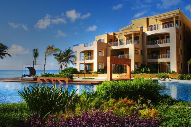 El Faro, Playa del Carmen, Mexico - 2 BR Beachfront Condo in the Heart of Town! - Playa del Carmen - rentals