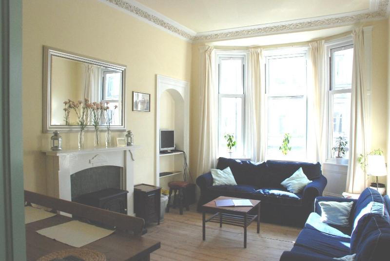 Living Room with seating area, Sofa bed, large screen TV, Internet computer (free WIFI) and dining - AJEM 142 Easter Road Apartment 4 - Edinburgh - rentals