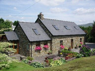 Glengarriff Holiday Home.Exceptional stone cottage - Image 1 - Glengarriff - rentals
